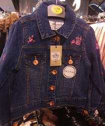 Изображение look at my back jeans Jacket buttons Girls