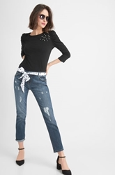 Изображение Destroyed boyfriend jeans with scarf belt