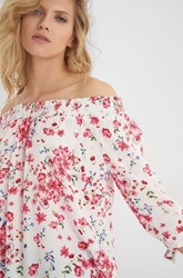 Изображение Blouse with flower print
