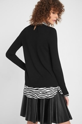 Изображение Blouse with zebra pattern