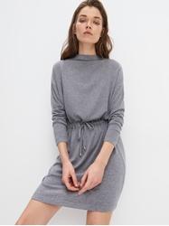 תמונה של שמלה עם שרוולים